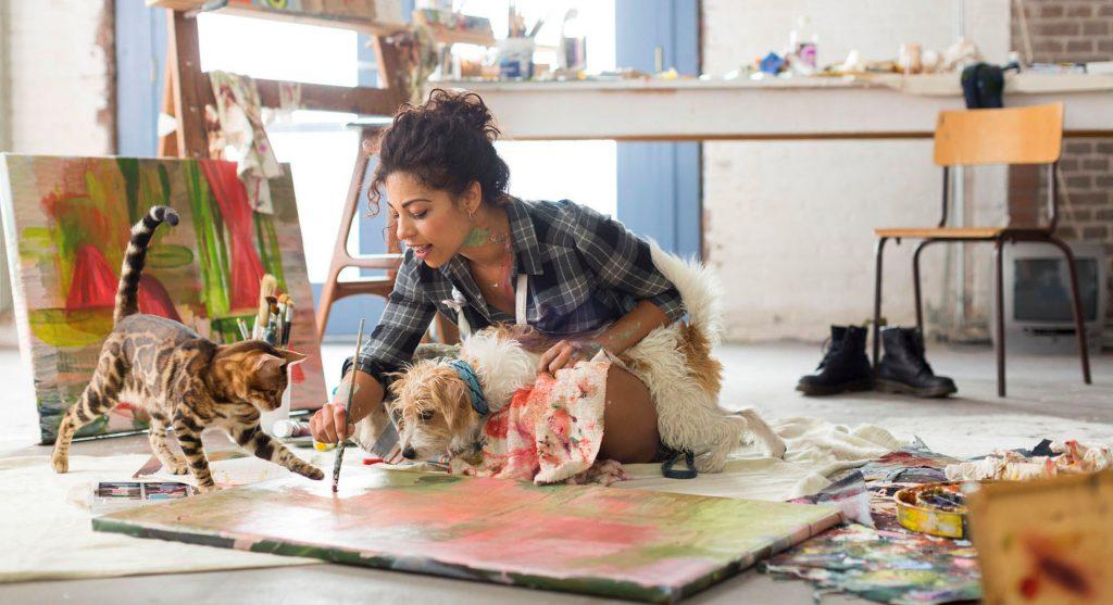 artist cat dog